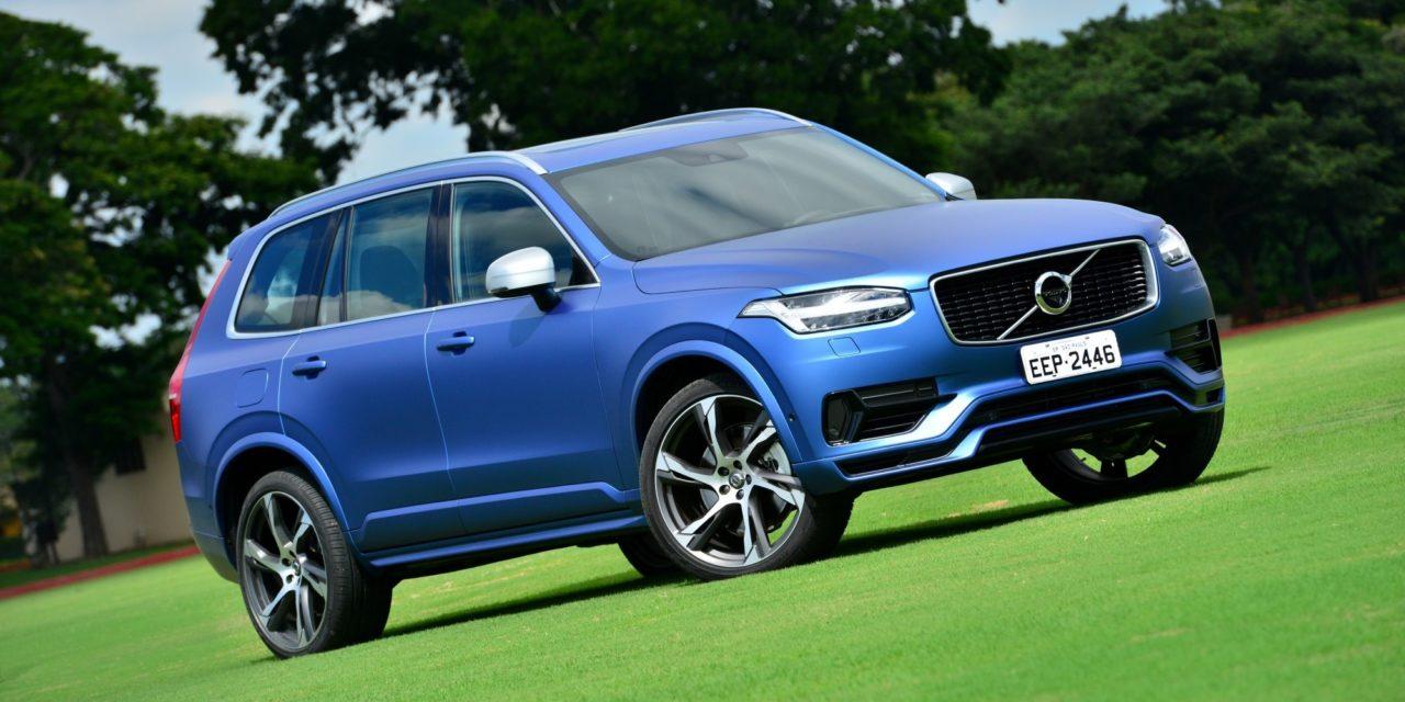 Volvo XC90 ganha nova versão híbrida plug-in