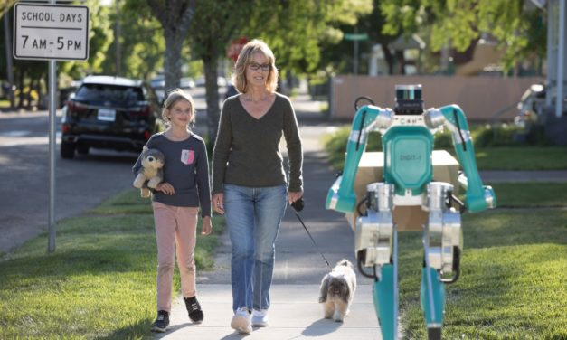 Ford apresenta robô para entregas