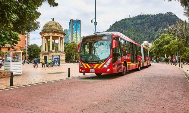Volvo inicia as entregas de ônibus para renovação da frota de Bogotá