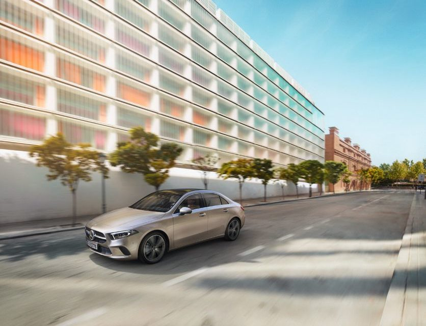 Mercedes-Benz inicia oferta do Classe A Sedan
