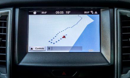 Ford Ranger Raptor tem navegador com marcador de trilhas