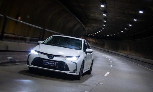 Toyota importa mais baterias e amplia oferta do Corolla híbrido flex