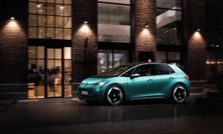 VW inova com motor elétrico na parte inferior do veículo
