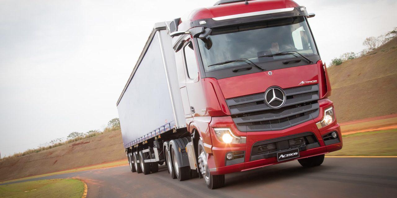 Sem espelho retrovisor, Actros ganha versões com motor de 530 cv