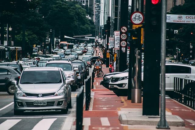 Viagens em carros particulares cairão 10% nas metrópoles em uma década