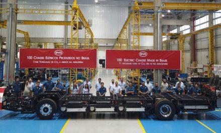 BYD contabiliza o centésimo ônibus elétrico produzido no País