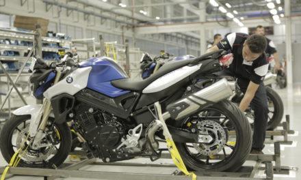 Mesmo com restrições, produção de motos segue ascendente