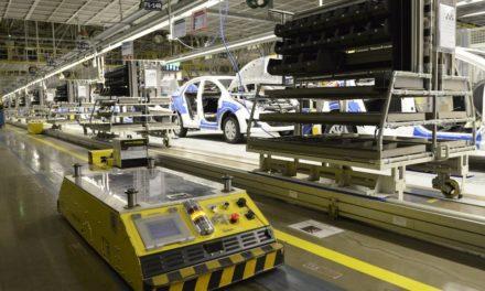 Hyundai retoma operação em três turnos