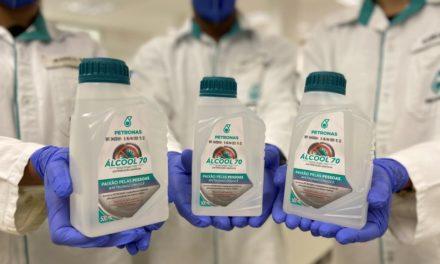 Petronas produz 8 toneladas de álcool líquido para doação