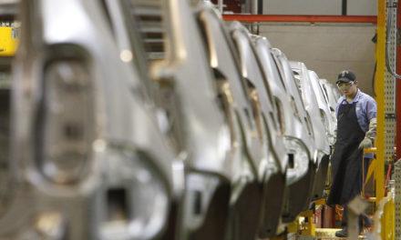 Acordo define redução de jornada de trabalho de até 70% na Renault