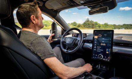 Ford prepara lançamento de sistema de condução semiautônoma