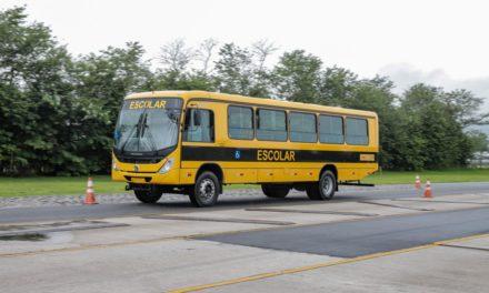 VWCO entrega 146 ônibus ao Caminho da Escola