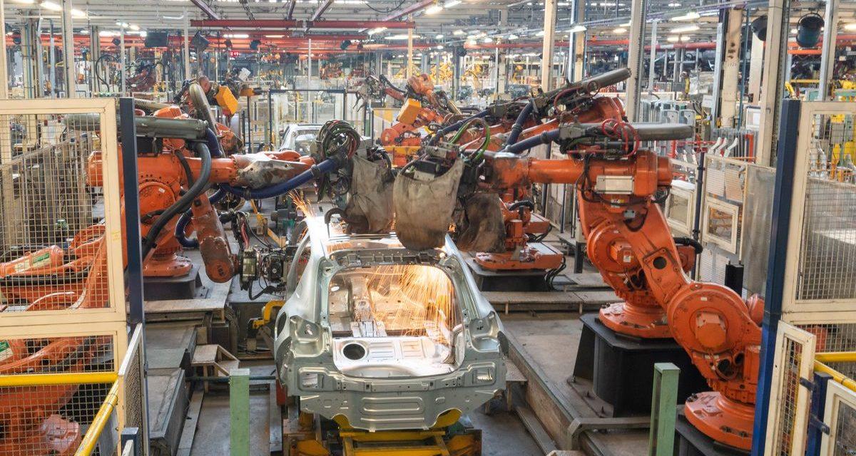 Peugeot 208 começa a ser produzido em série