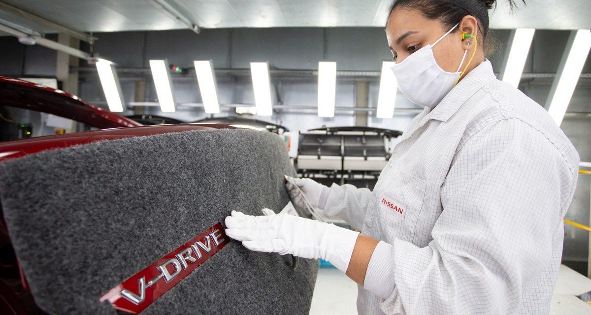 Nissan inicia a produção do V-Drive, versão nova do ex-Versa