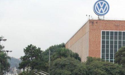 Maratona de três dias de negociações entre VW e metalúrgicos