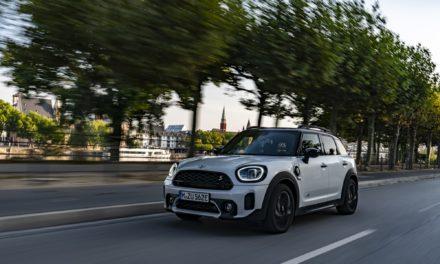 BMW anuncia recall de carros eletrificados