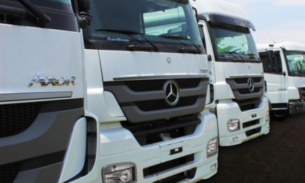 Locação de caminhões em alta