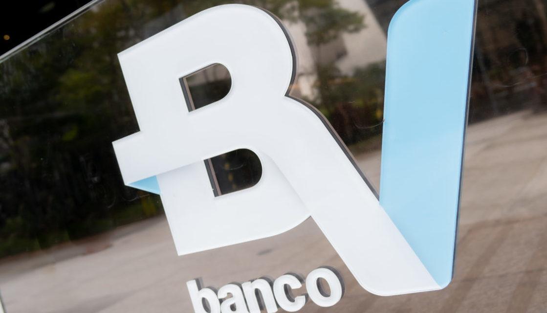 Banco BV compensará emissão de CO2 de veículos financiados