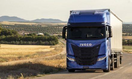 """Iveco S-Way a gás é escolhido o """"Caminhão Sustentável"""" da Europa"""
