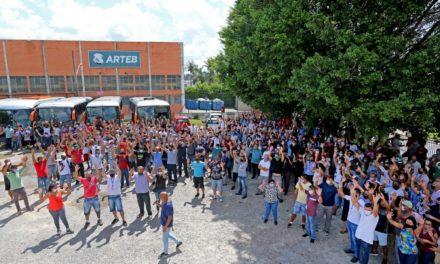 Metalúrgicos da Arteb fazem acordo e suspendem greve