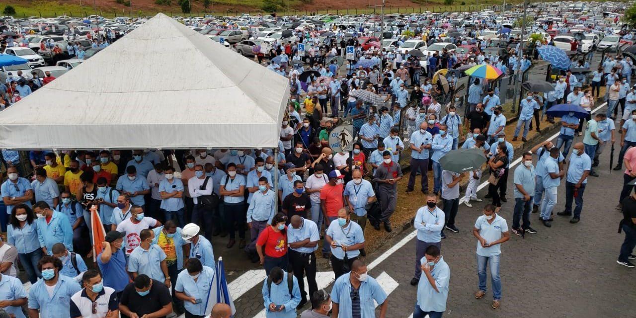 Trabalhadores tentam reverter decisão da Ford de fechar fábricas