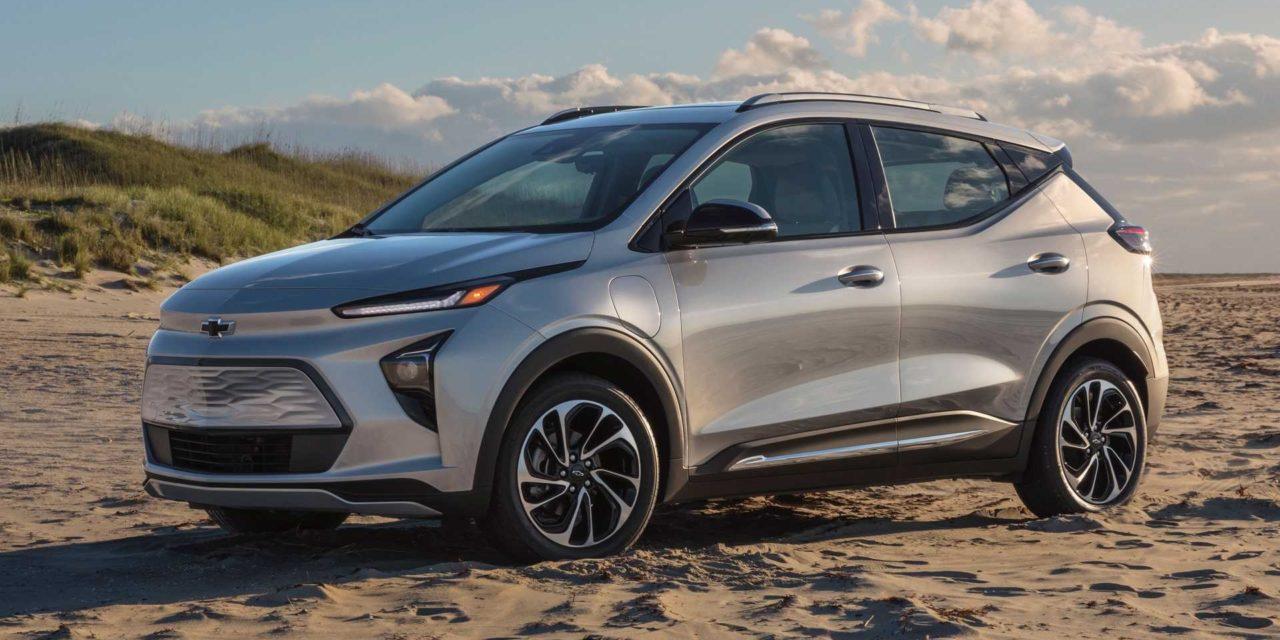 GM apresenta Bolt EV 2022 e inédito crossover EUV