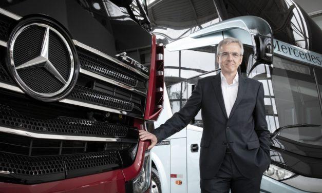Karl Deppen recebe novas atribuições da Daimler, mas fora do Brasil