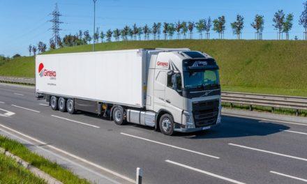Operador logístico europeu compra 2 mil caminhões Volvo FH