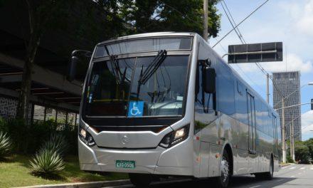 Mercedes-Benz estreia opção de ônibus urbano de 14 metros