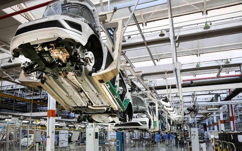 Produção de veículos patina por causa da falta de semicondutores