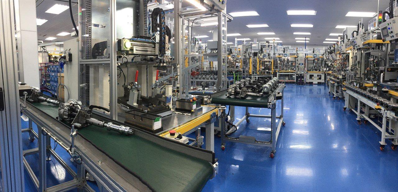 Com demanda crescente, ZF investe em nova linha de direção elétrica