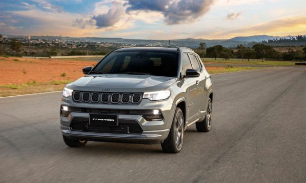 Novo Jeep Compass: arsenal para preservar liderança.