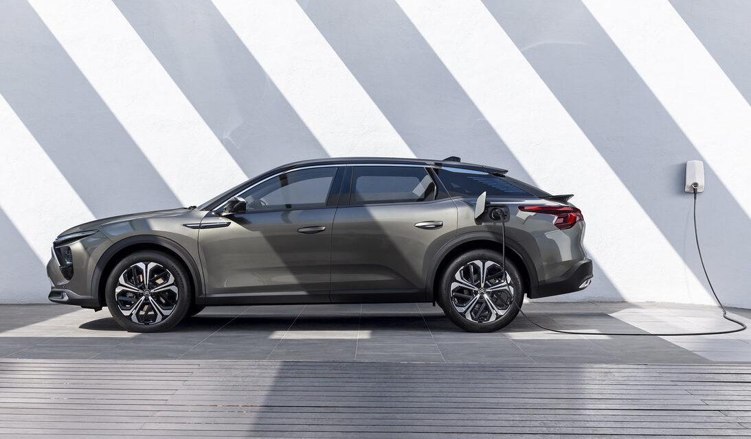 Citroën revela o C5 X, seu novo topo de linha