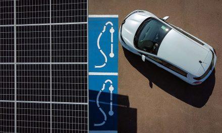 Fábrica da Renault ganha garagem fotovoltaica