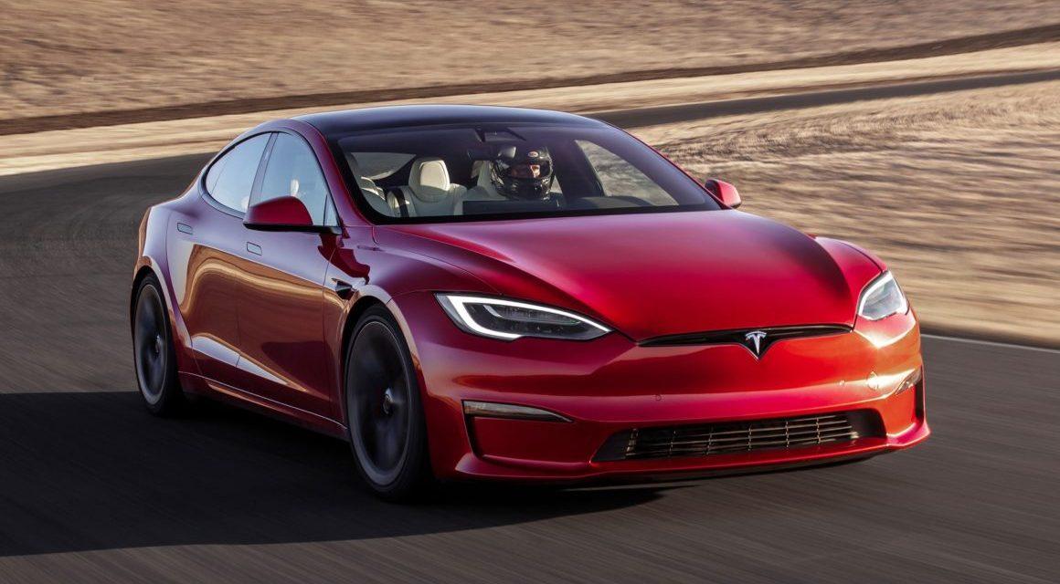 Novo Tesla Modelo S chega a 100 km/h em apenas 2 segundos