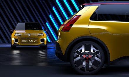 Renault fecha parcerias para produção de baterias de carros elétricos