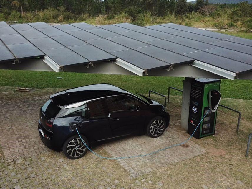 BMW Group Brasil desenvolve eletroposto solar