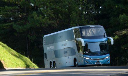 Volvo aprimora linha de ônibus rodoviário