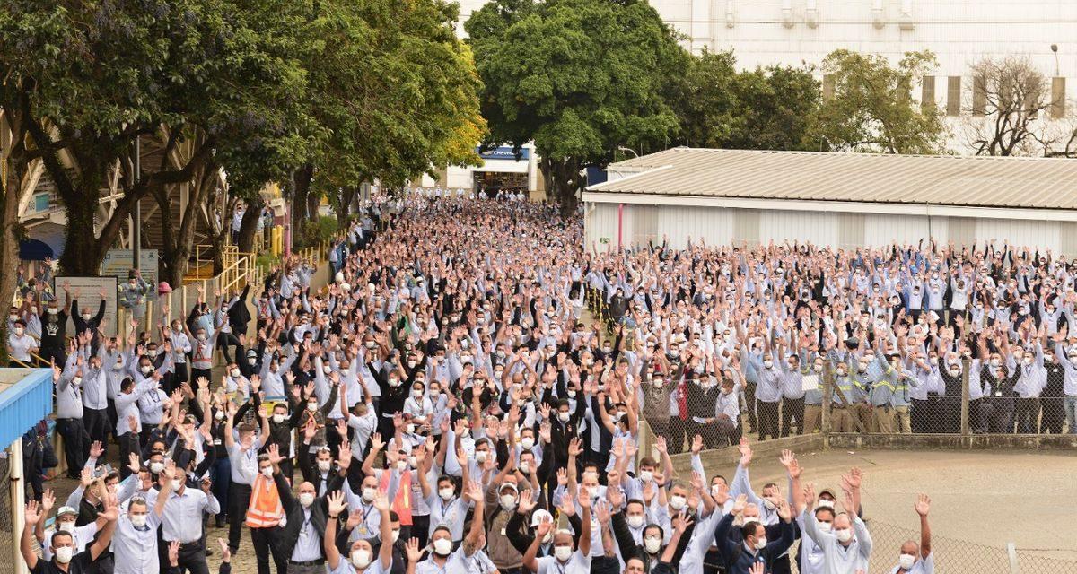 Trabalhadores da GM rejeitam contraproposta e greve continua