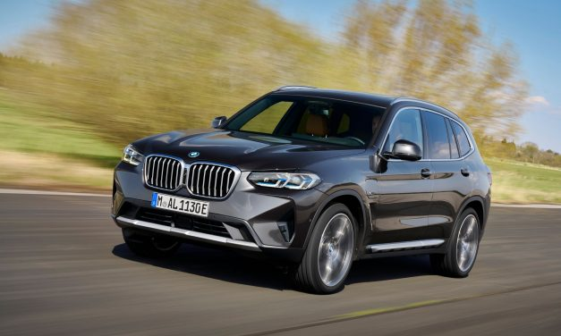 BMW X3 híbrido plug-in tem preços de R$ 400 mil a R$ 450 mil
